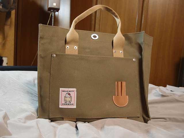 キティちゃんと犬印鞄のコラボトートバッグ